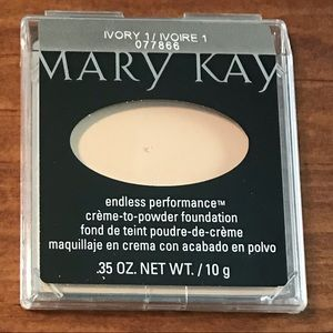 Ivory 1 Creme to Powder Foundation